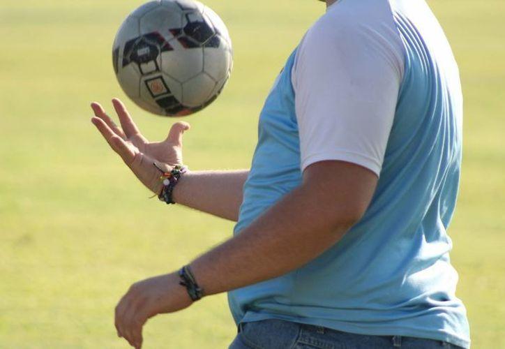 Los integrantes de la escuela de educación física argumentan que la propuesta curricular disminuye la asignatura de dos a sólo una hora por semana. (Archivo/SIPSE)
