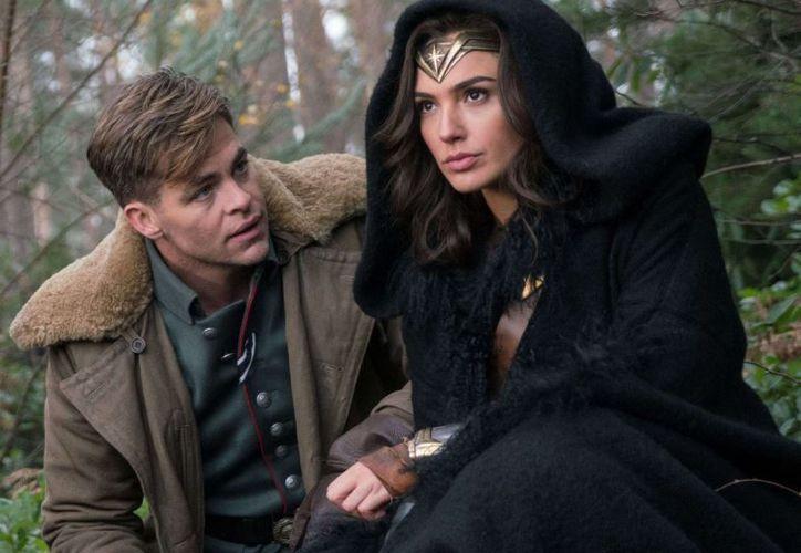 Steve Trevor murió en la primera película de Wonder Woman, por lo que sorprendió su regreso. (Internet)