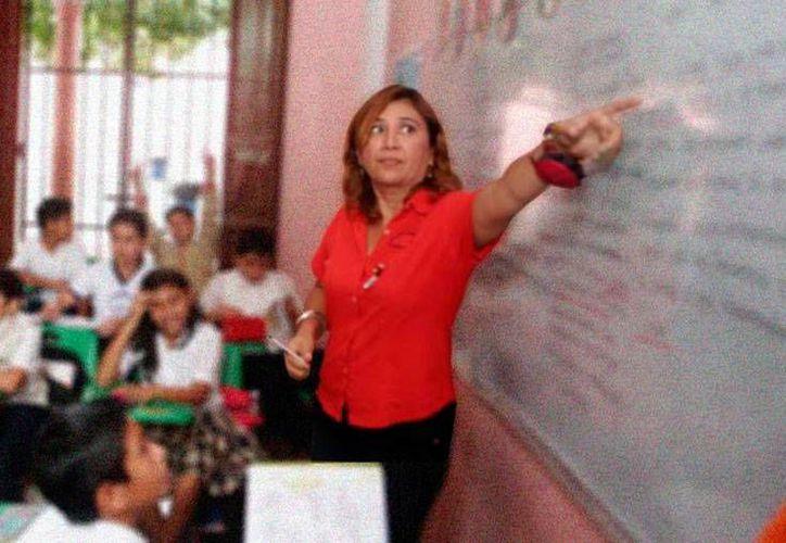 Profesores de Yucatán recibirán su aguinaldo en dos partes: la primera entre el 9 y 11 de diciembre y la segunda, en enero. La imagen es únicamente ilustrativa. (SIPSE)