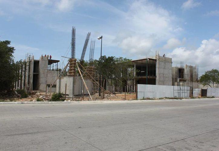 La Comuna lanzará una nueva licitación para terminar la totalidad del palacio municipal. (Adrián Barreto/ SIPSE)