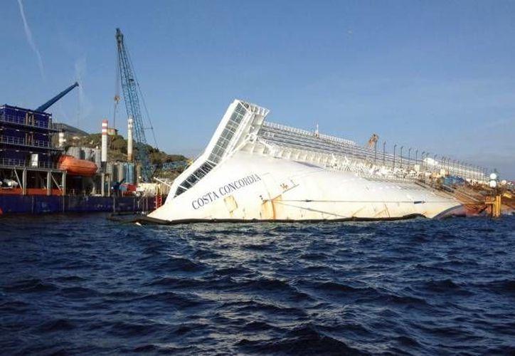 El naufragio del crucero Costa Concordia ocurrió el 13 de enero de 2012, frente a la isla italiana del Giglio. (Archivo/EFE)