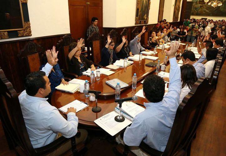 Ayer, en sesión de Cabildo se informó de la deuda pública municipal. (SIPSE)