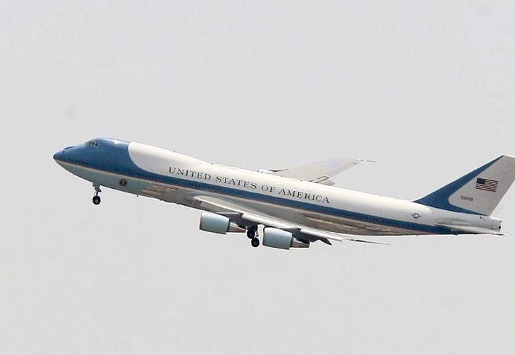 El AICM interrumpió sus operaciones desde las 13:45 horas de hoy por la llegada del presidente de Estados Unidos. (Notimex)