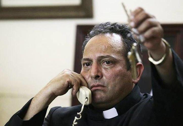 El padre Gregorio López asegura que no es un sacerdote armado y que tampoco es parte de las autodefensas. (Archivo/SIPSE)