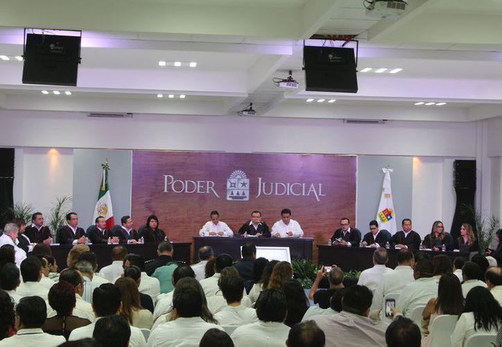 El evento celebró el 44 aniversario de la carta magna. (Joel Zamora/SIPSE)
