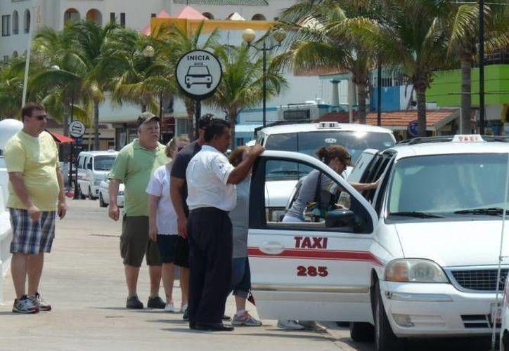 """El conductor fue apodado en las redes sociales como """"lord taxista""""(Irving Canul/SIPSE)"""