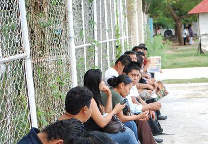En Quintana Roo hay 750 mil personas en el sector económicamente activo de las cuales poco más de 290 mil son asalariados y el resto trabaja por su cuenta. (Tomás Álvarez/SIPSE)