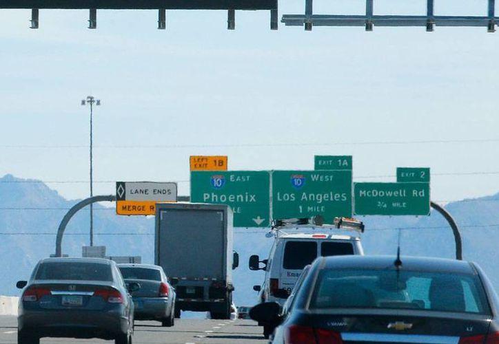 Una mujer dio a luz en medio de una autopista en Boston. La imagen no corresponde al hecho, está utilizada sólo como contexto. (AP/Archivo)