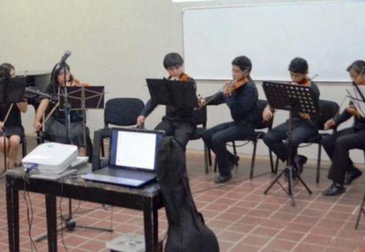 Los alumnos presentaron un amplio programa musical. (Redacción/SIPSE)