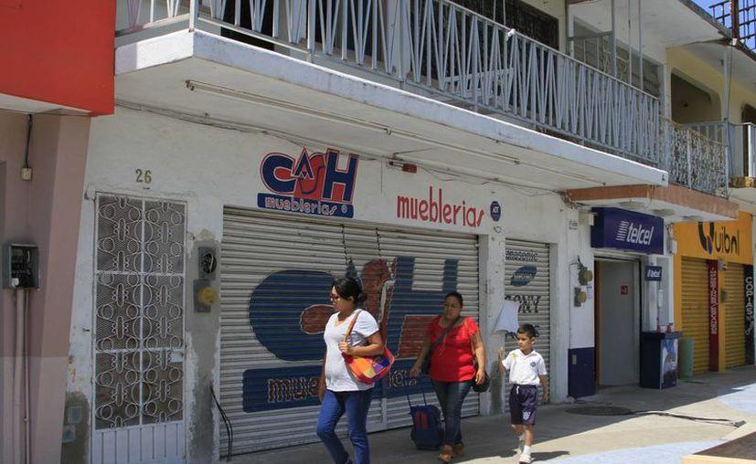 En menos de dos años, varias pequeñas y medianas empresas han cerrado en Quintana Roo. (Ángel Castilla/SIPSE)