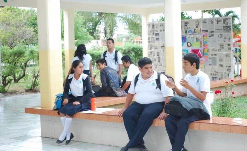 La SEP puso a disposición de jóvenes 10 mil apoyos económicos. (Milenio Novedades)