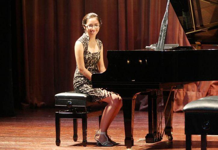 Bellas sinfonías para piano fueron interpretadas por alumnos de la Esay. (Milenio Novedades)