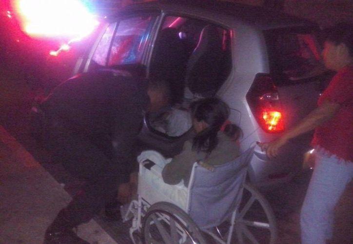 Ileana Concepción May Ku, de 19, tuvo un parto con ayuda de dos policías de la SSP, en plena vía pública. (Fotos: William Casanova/Milenio Novedades)