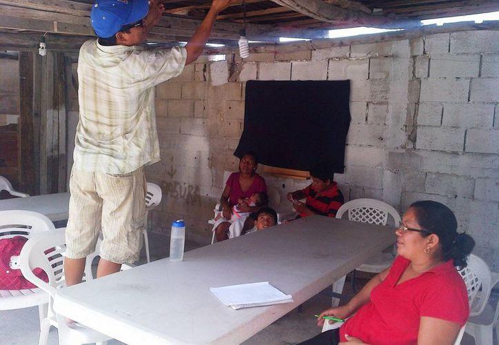 El Comedor Comunitario Príncipe de Paz solicita a la población donaciones para poder seguir dando comida a quienes lo necesiten.  (Daniel Pacheco/SIPSE)