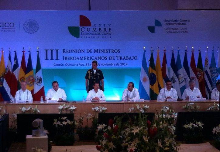 El evento de clausura se llevó a cabo a las 11:30 horas,  fue encabezado por el mandatario federal. (Israel Leal/SIPSE)
