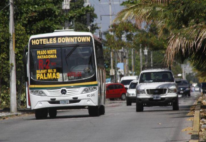 Estudian la implementación de nuevas rutas de transporte en las colonias. (Tomás Álvarez/SIPSE)