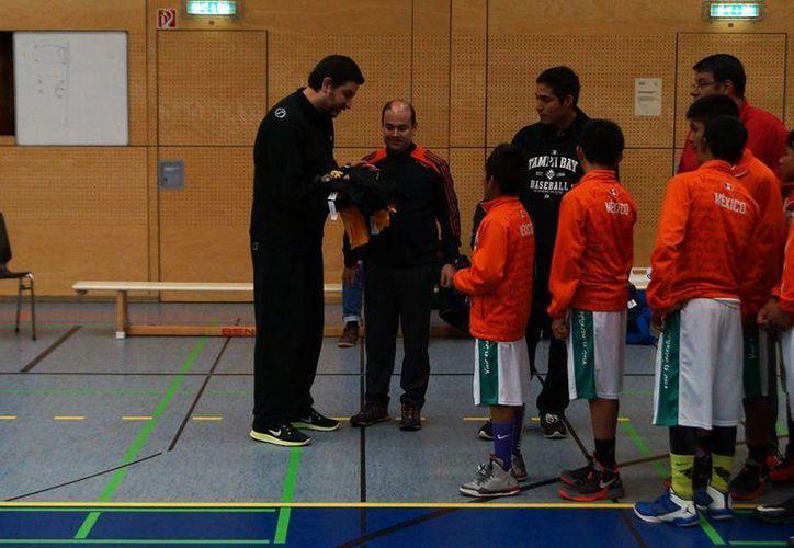 Los triquis basquetbolistas han tenido éxito en varias partes del mundo. Esta vez fue en Alemania. (Facebook)