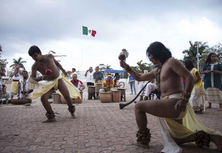 Este festival nos permite recordar y compartir la cultura maya. (Redacción/SIPSE)