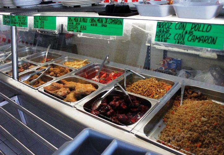 En lo que va del año han sido clausurados tres negocios de este tipo por deficiencias en el manejo y elaboración de alimentos. (Juan Palma/SIPSE)