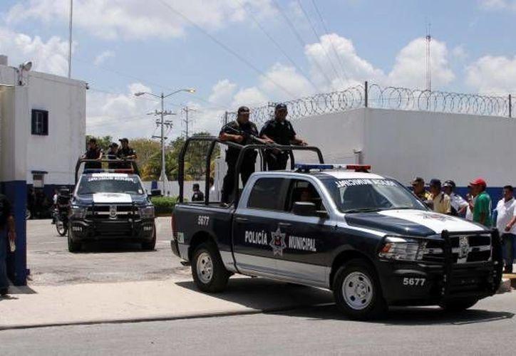 Invertirán en capacitación de los elementos policíacos. (Eric Galindo/SIPSE)