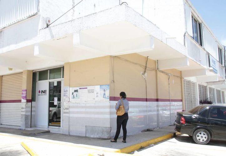El INE informó que el servicio en los módulos de Quintana Roo y el país se reanudará mañana, sábado. (Tomás Álvarez/SIPSE)