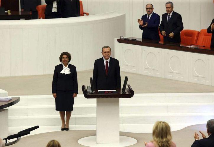 El islamista Recep Tayyip Erdogan tras prestar su  juramento como presidente de Turquía. (EFE)