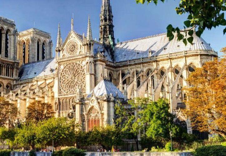 La Catedral de Notre Dame es una de las construcciones góticas más antiguas del mundo. (pariscityvision)