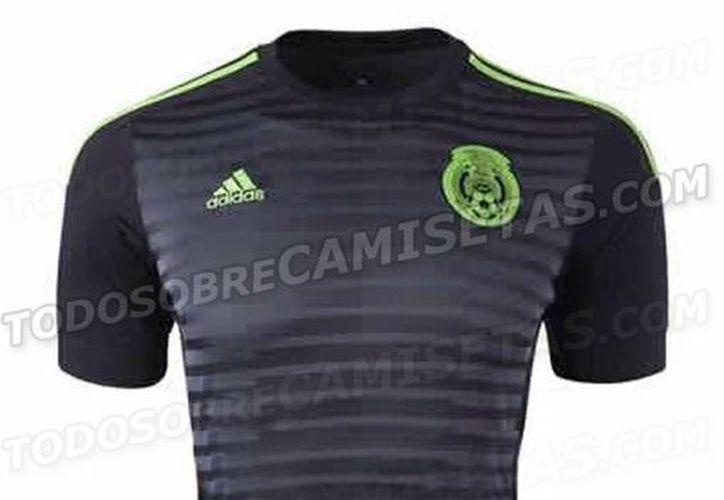 Esta es la playera titular de la Selección Mexicana para la Copa América de Chile. Según Adidas, hay muy poco verde porque ese 'se lleva en el corazón'.