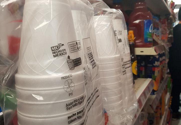 Hay artículos de plástico que provienen no sólo de otros estados del país, si no del extranjero como China y Guatemala. (Archivo/Sipse)