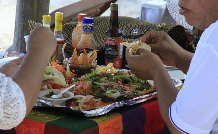 Recomiendan el consumo de productos del mar por su alto contenido nutrimental. (Foto: Redacción)