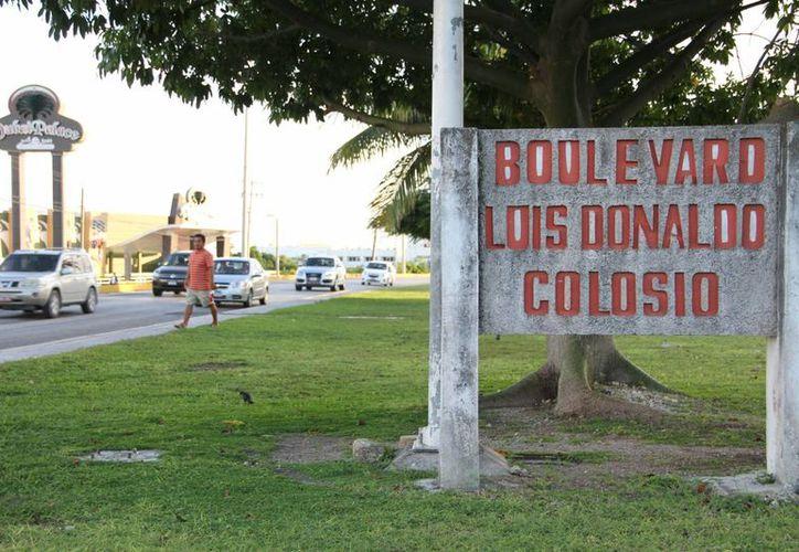 Diariamente más de 70 mil vehículos transitan por el bulevar Colosio. (Tomás Álvarez/SIPSE)