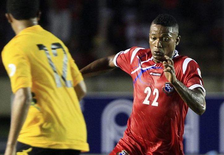 Alcibiades Rojas fue exhibido por la tv panameña cuando era presentado por la policía. (Foto: Internet)