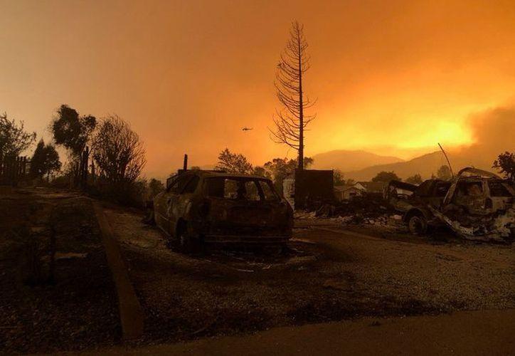 El incendio dejó en ruinas Keswick, un pueblo de 450 habitantes. (Milenio)