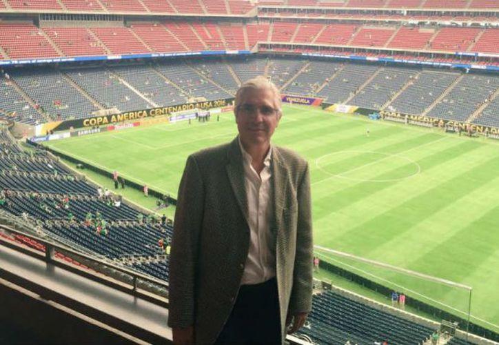Maurcio García de la Vega es el accionista mayoritario del club Real Murcia, de España, pero la afición lo rechaza. (Twitter)