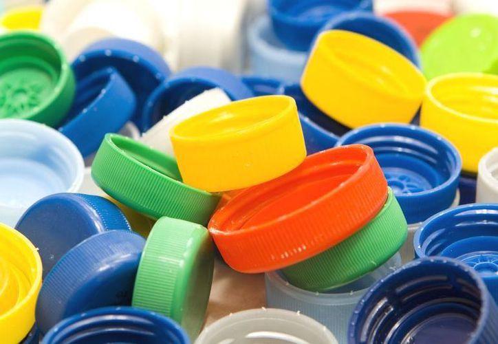 Por cada mil tapas de plástico que se recolecten se podrá financiar una quimioterapia. (Contexto/Internet).
