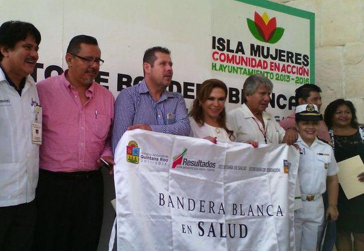 La bandera blanca fue izada como un municipio saludable. (Redacción/SIPSE)