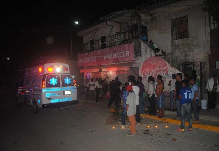 Un hombre fue rescatado luego de surir quemaduras en gran parte del cuerpo, en la colonia Colosio de Playa del Carmen. (Redacción/SIPSE)