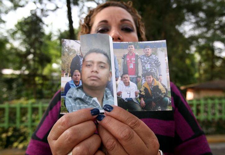 Sandra López Corona, madre de Víctor y Jhovany, perdió su trabajo por asistir cada 15 días a las audiencias del caso de sus hijos. (Agencia Reforma)