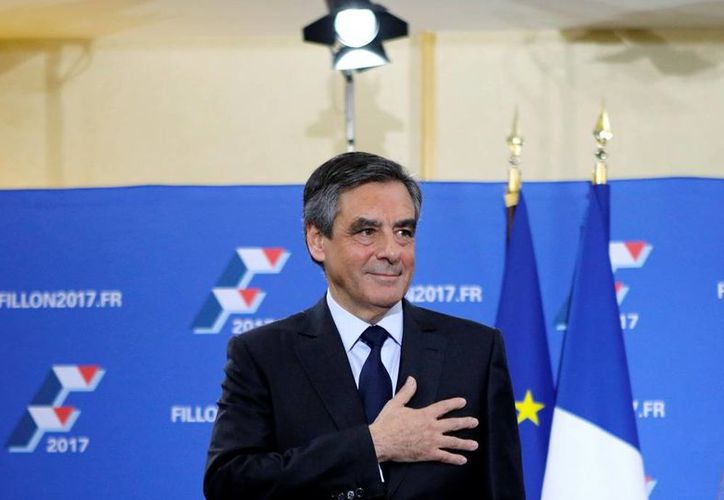 Francois Fillon es el abanderado de los conservadores franceses para la elección presidencial de 2017. (AP/Kamil Zihnioglu)