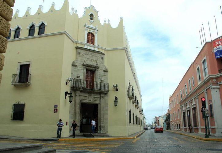 Edificio central de la Universidad Autónoma de Yucatán (Uady). (José Acosta/SIPSE)