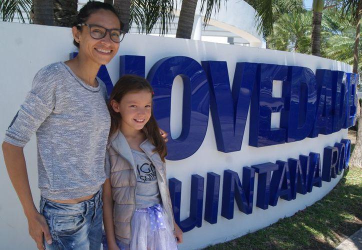 La entrenadora Vanessa Mendo visitó las instalaciones de Novedades Quintana Roo (Ángel Villegas/SIPSE)