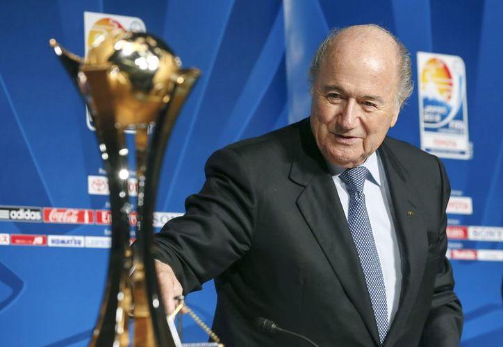 Blatter destacó el entusiasmo y apoyo del Gobierno central como de las autoridades locales para el Mundial. (Foto: EFE)