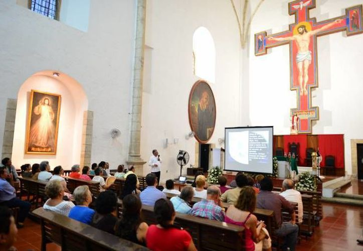 El Convento de Monjas de Mérida tiene una historia de más de 400 años. En la foto, una conferencia  en el interior, en mayo del año pasado. (SIPSE)