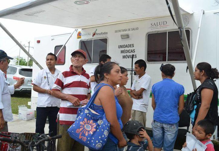 El programa de Unidades Médicas Móviles destacó por los servicios que ofrece en diferentes localidades de Quintana Roo. (Harold Alcocer/SIPSE)