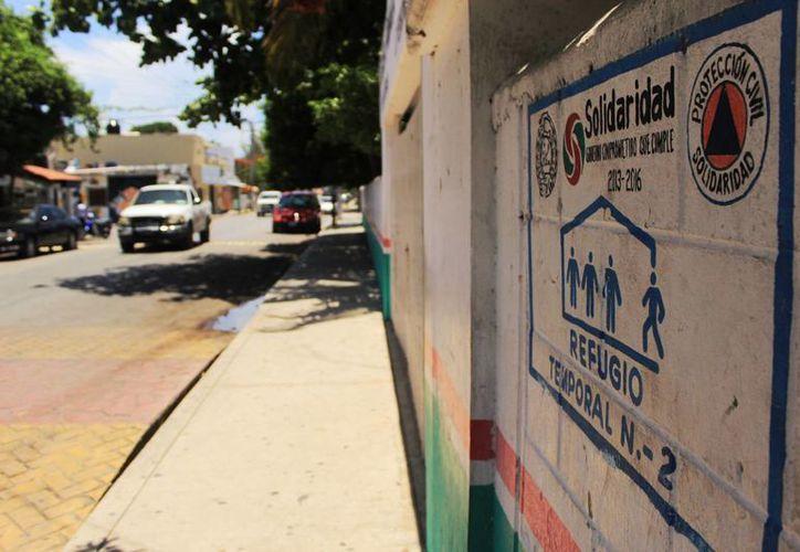 En el municipio de Solidaridad hay 20 refugios anticiclónicos en los que las condiciones de higiene no son las óptimas. (Octavio Martínez/SIPSE)