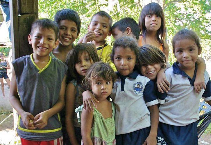 Niñas niños y adolescentes beneficiarios de Prospera reciban becas para educación primaria, secundaria y media superior. (@SEDESOL_mx)