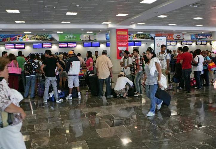 Los brotes activos en otras partes del mundo y el flujo constante de personas representan la posibilidad de ser reintroducido a México. (SIPSE)