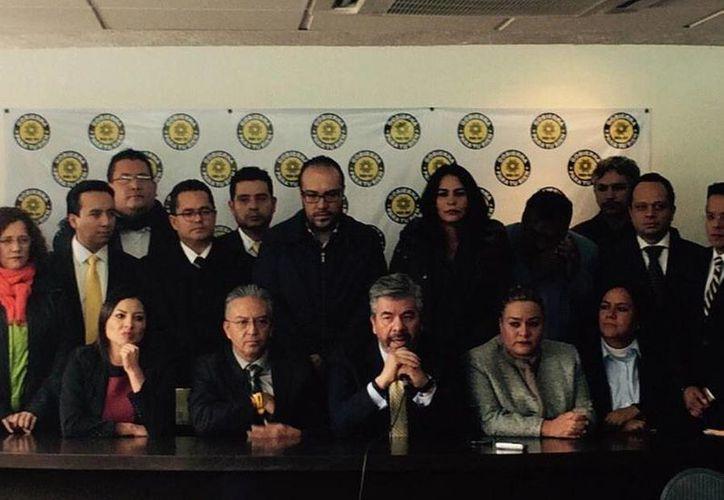 Miembros del PRD-DF durante una conferencia de prensa para hablar de elecciones 2015. (twitter.com/leticia_quezada)