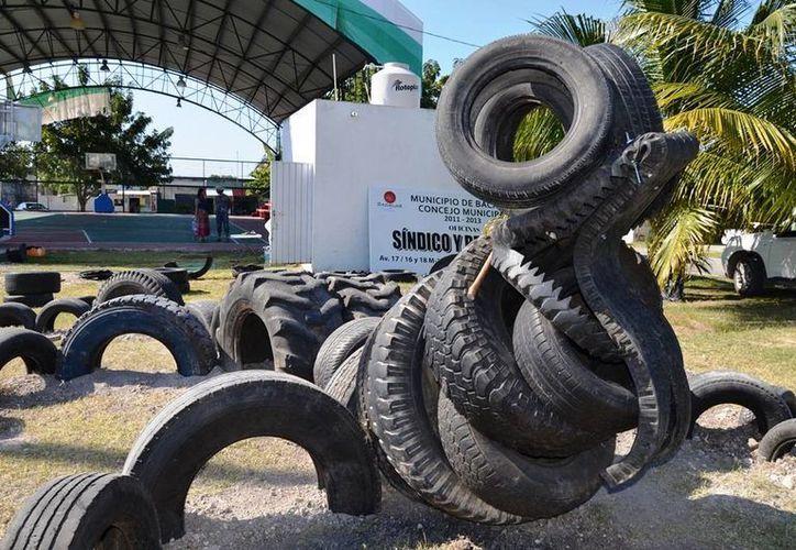 El parque fue realizado con llantas, con la idea de usar materiales reciclables. (Edgardo Rodríguez/SIPSE)