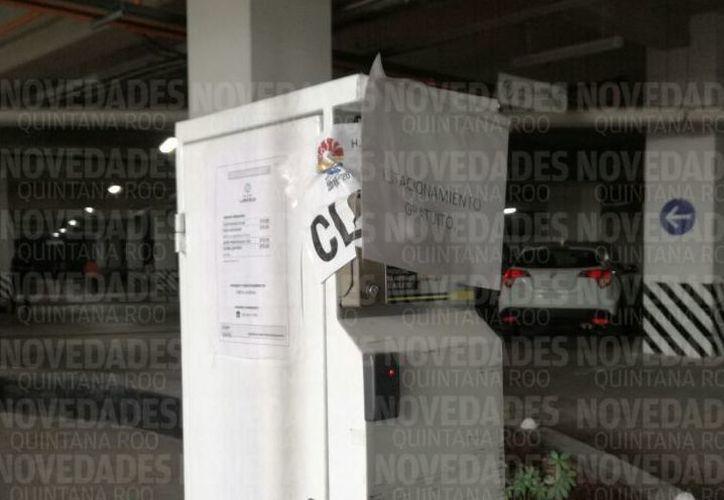 La dirección de fiscalización dio a conocer que no cuentan con los permisos para realizar cobros en ese estacionamiento. (Redacción/ SIPSE)